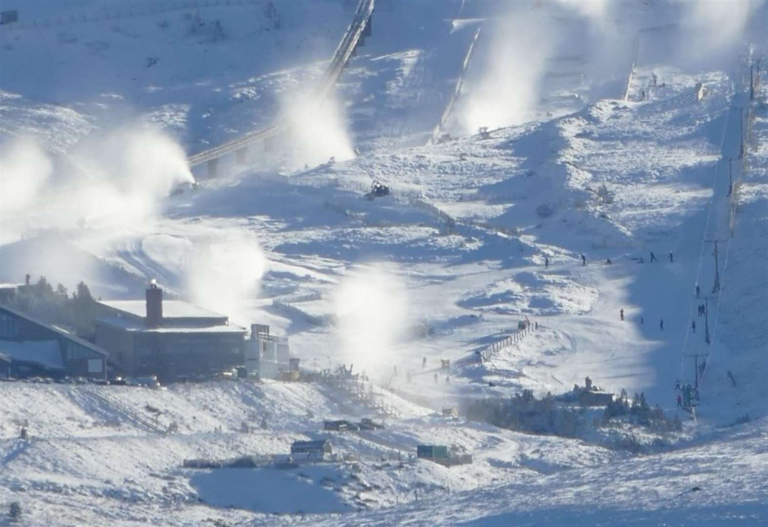 GB racer gives backing to Scottish resorts' investment in snow-making
