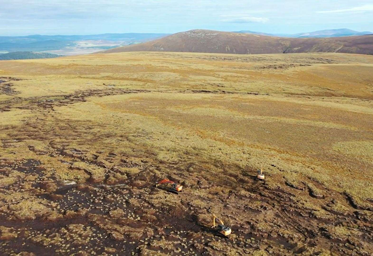 Helicopters used to help restore peatlands in the Cairngorms National Park
